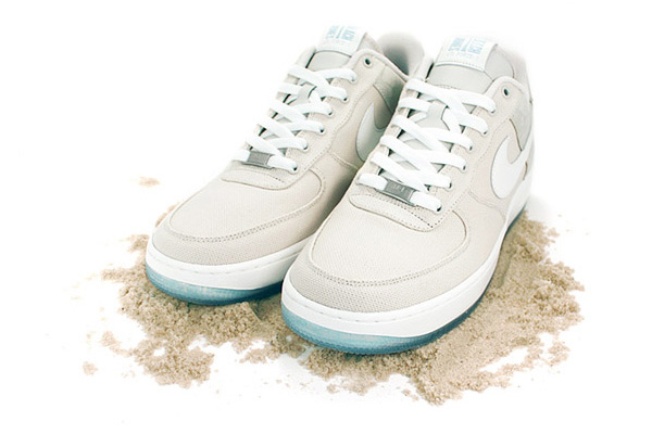 info for fb59c ada54 Ewww. Reflecting the love NY has for its infamous Jones Beach, Nike  produces a quality drop. These AF1s feature -lightweight canvas upper
